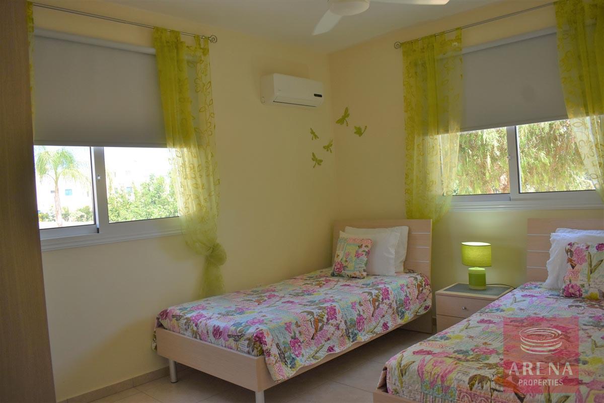 Resale apt in Kapparis to buy - bedroom