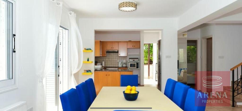 4 Bed villa in Pernera - kitchen
