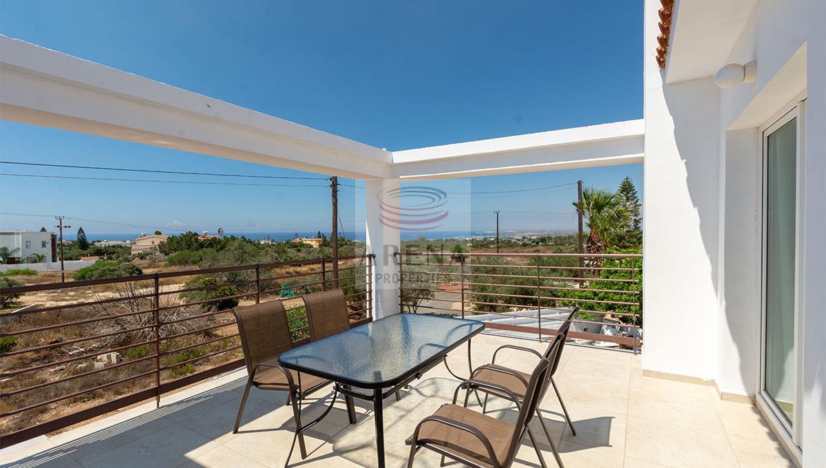 4 Bed Villa in Kokkines to buy - balcony