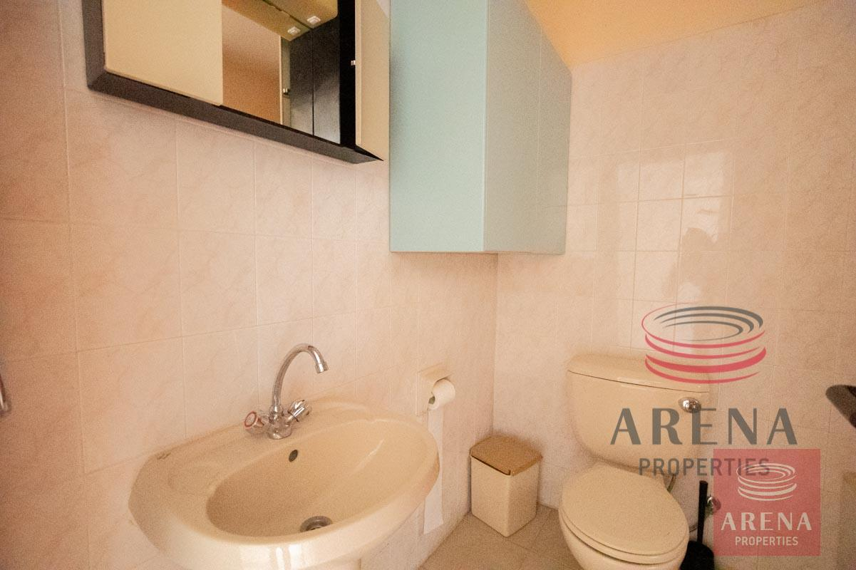 Flat in Paralimni for sale - bathroom