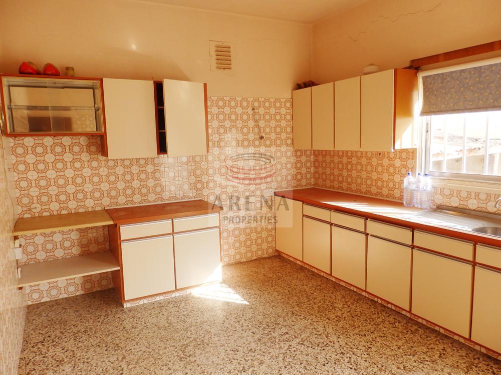 Bungalow in Paralimni - kitchen