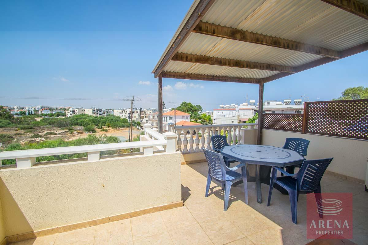 Flat for rent in Pernera