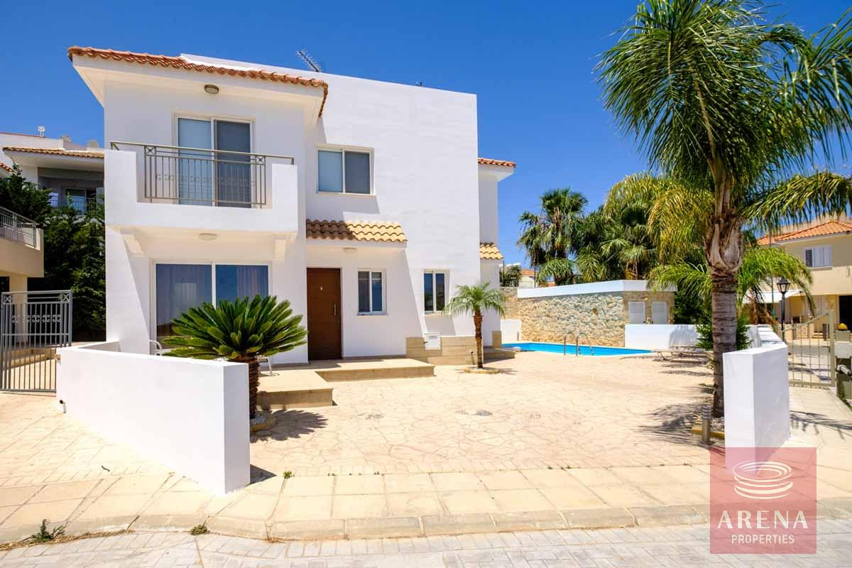 Villa in Paralimni for sale