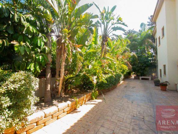 10-5-BED-villa-in-derynia-5777