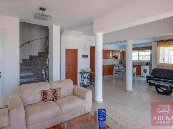 10-villa-in-Paralimni-for-sale-5787