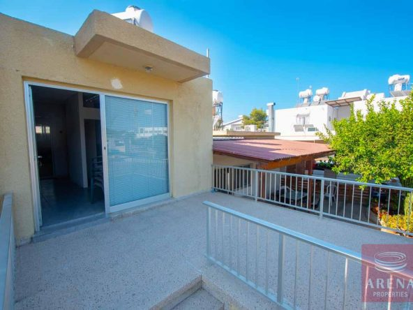 11-1-bed-townhouse-paralimni-5782