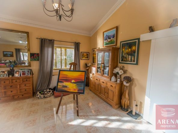 11-house-for-sale-in-achna