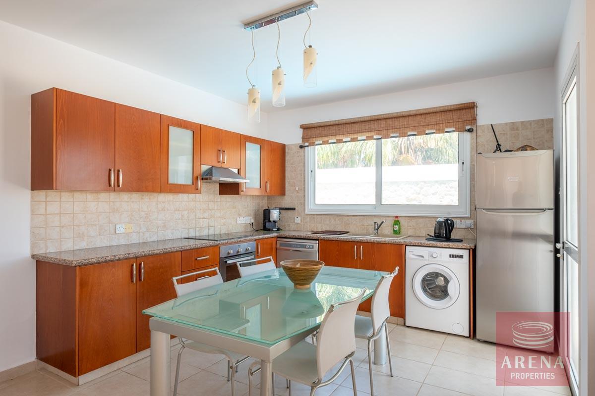 Villa in Paralimni for sale - kitchen