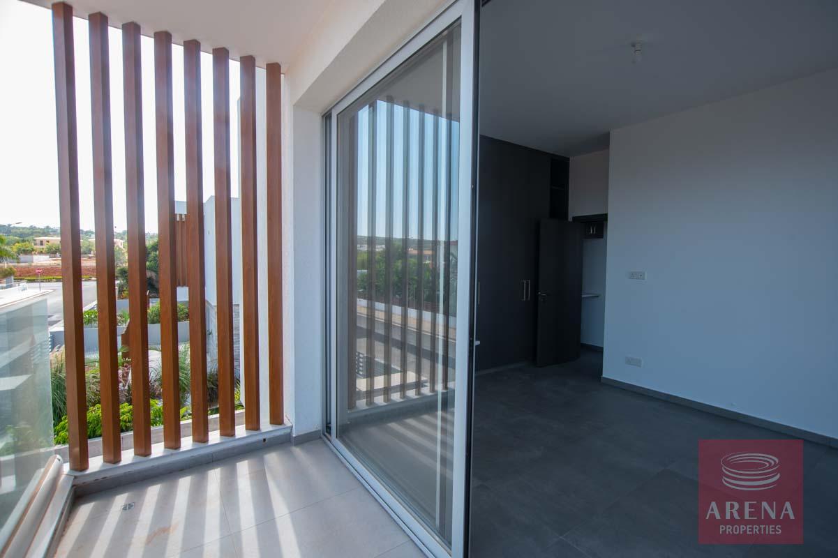Villa in Pernrea for sale
