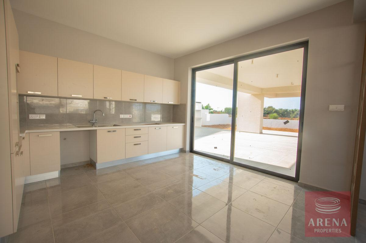 villa in pernera to buy - kitchen