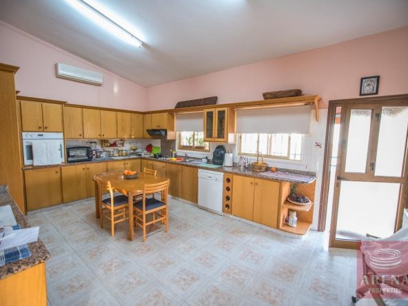 15-house-for-sale-in-achna-kitchen
