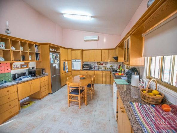 16-house-for-sale-in-achna-kitchen