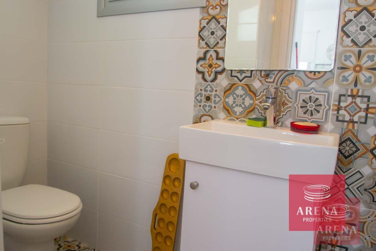 4 Bed Villa in Sotira - guest WC
