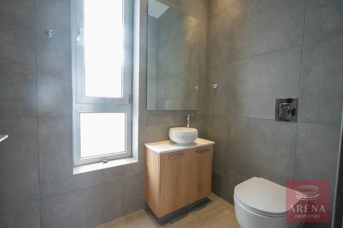 Property for sale in Pernera - bathroom