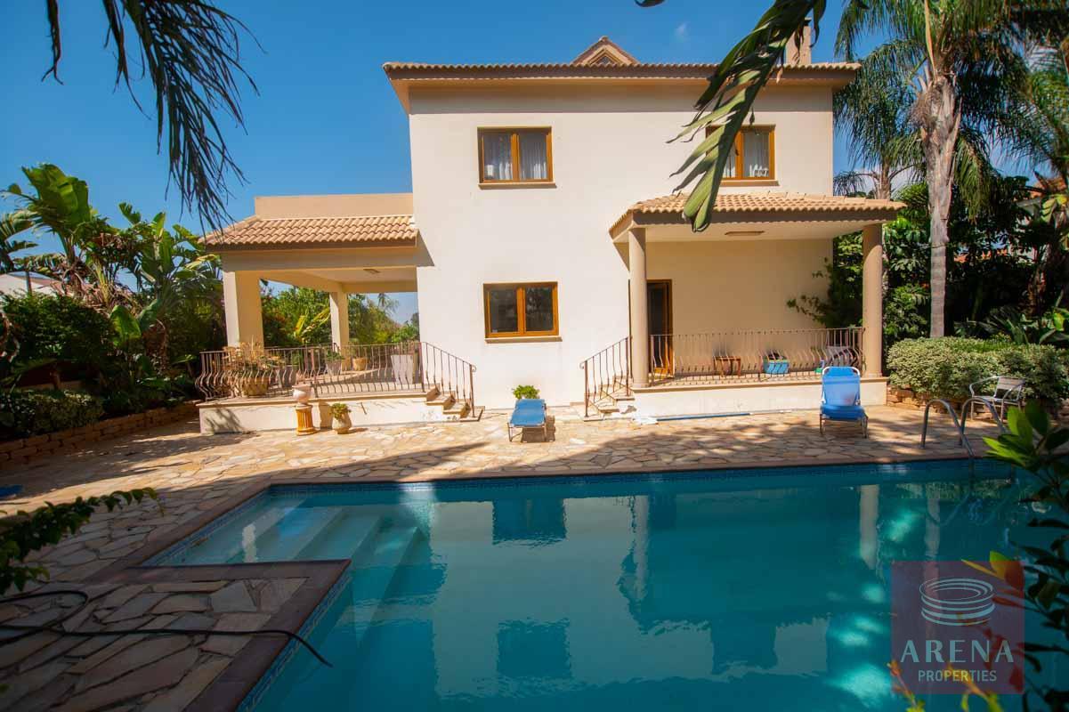 5 Bed Villa in Derynia for sale