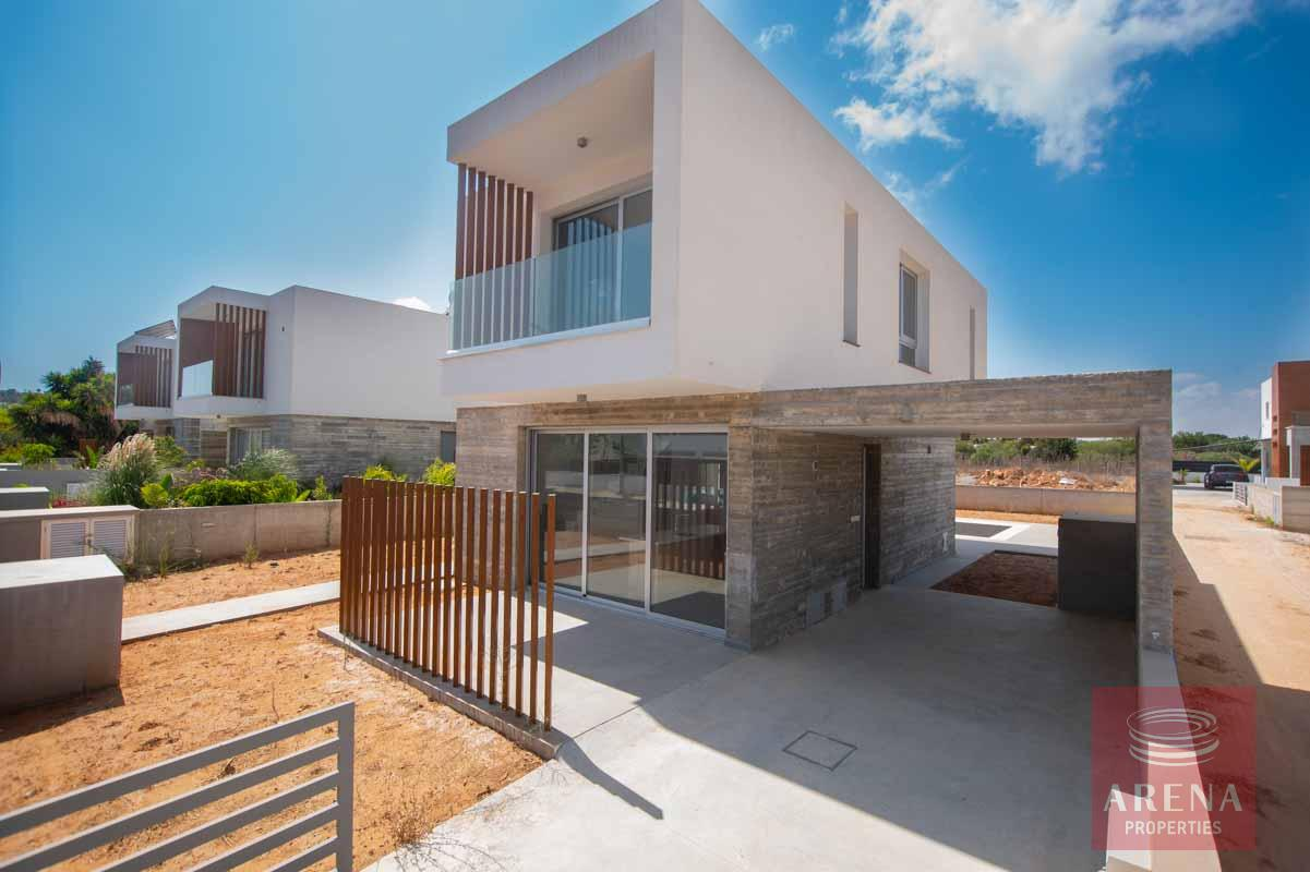 Property to buy in Pernera