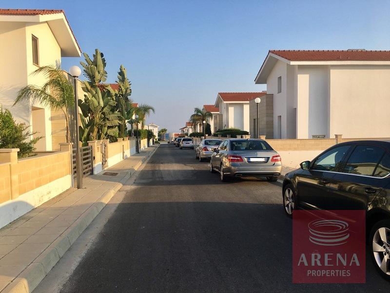 Villa in Dekelia for sale