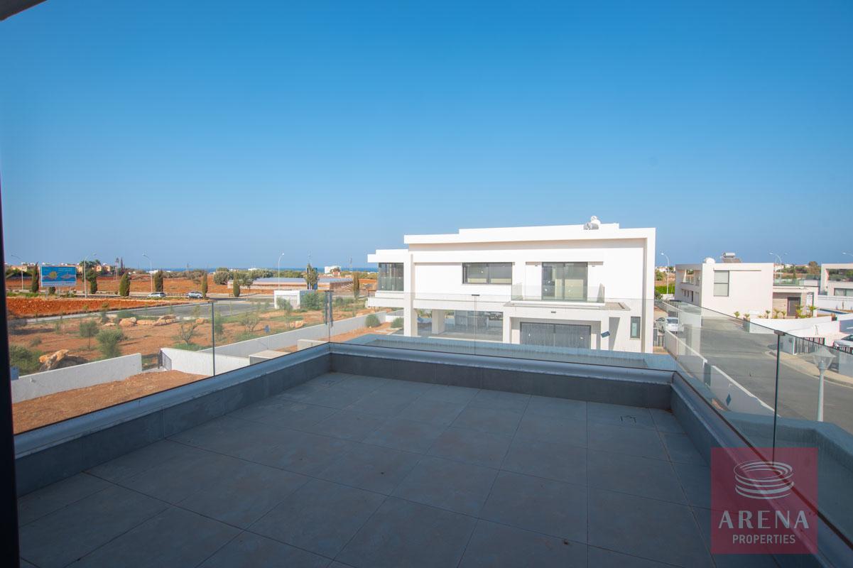 Brand New Villa in Pernera - balcony