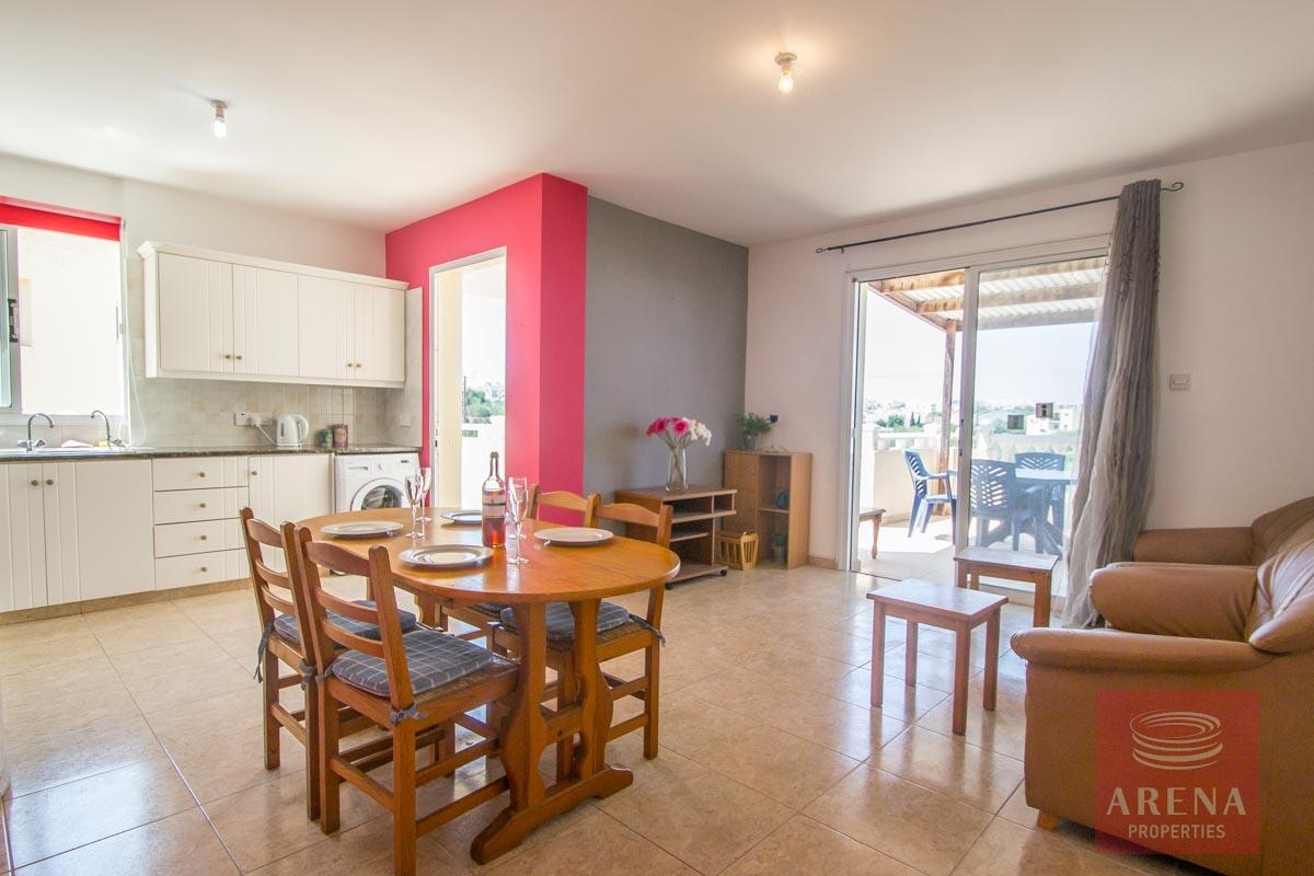 Flat for rent in Pernera - living area