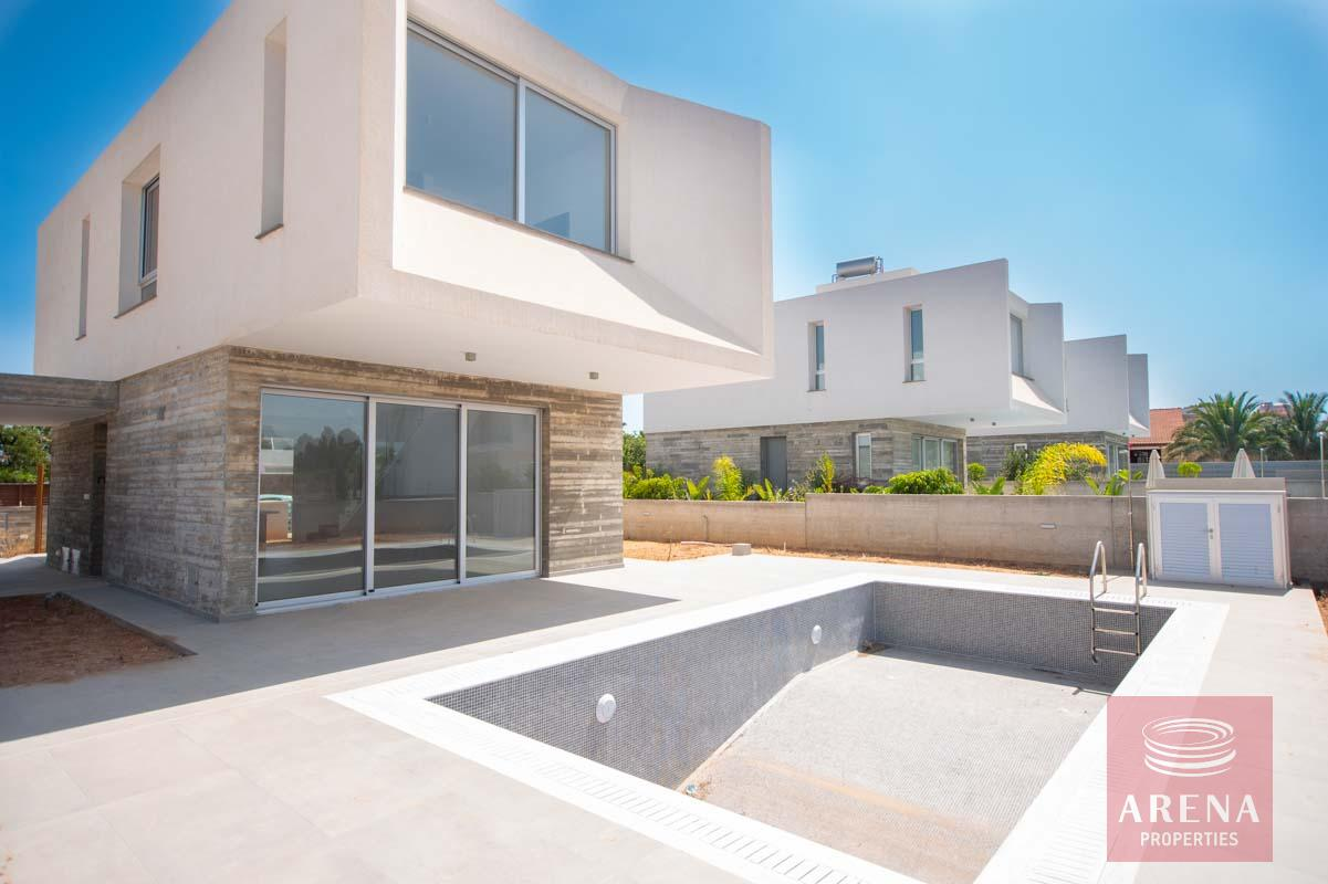 Property for sale in Pernera - pool