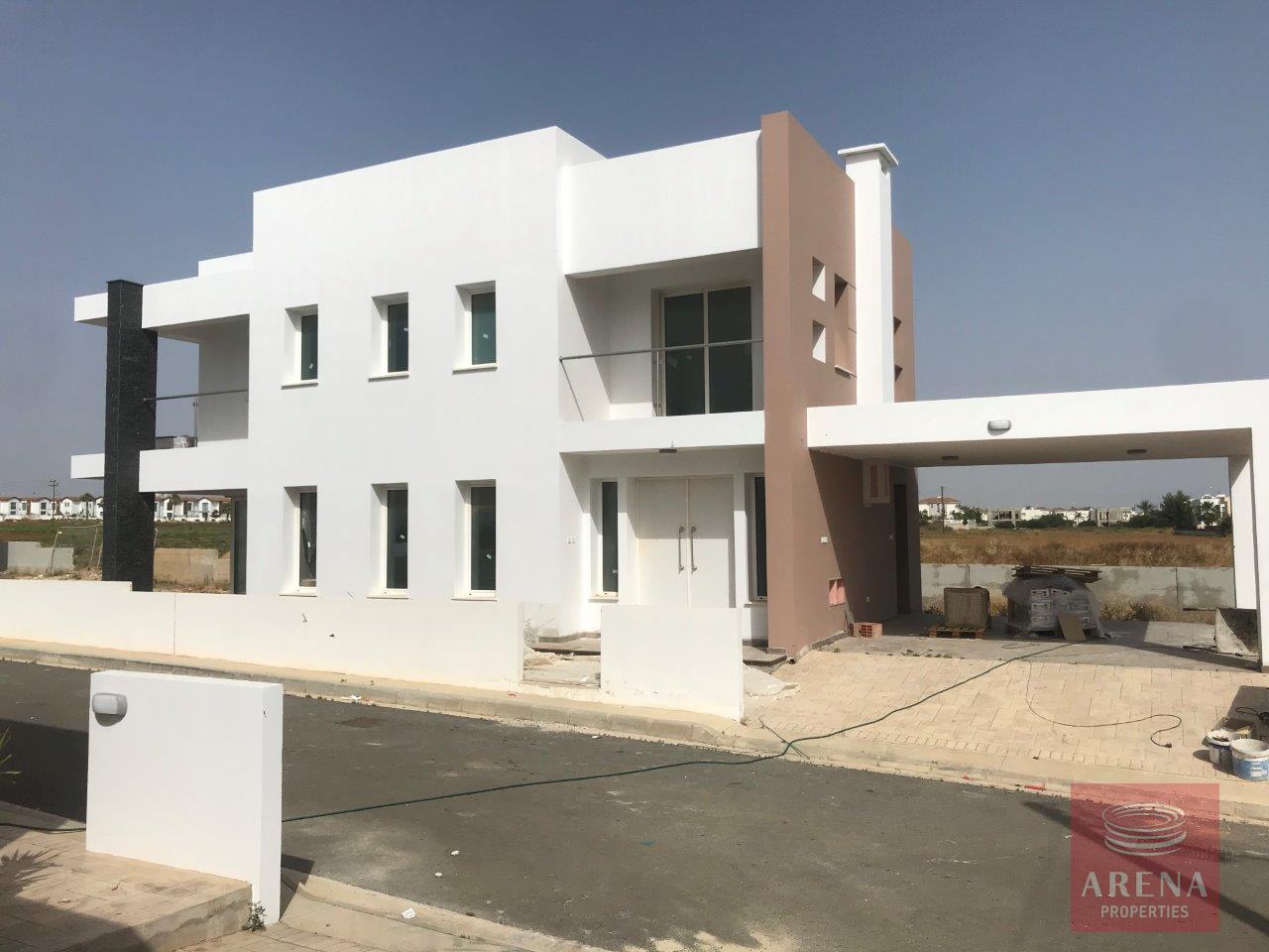 Villa in Ayia Triada to buy