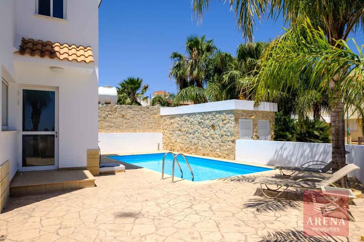 Villa in Paralimni for sale - pool