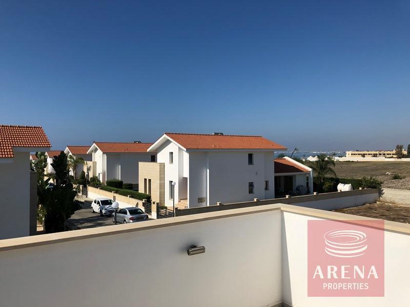 Villa in Dekelia - views
