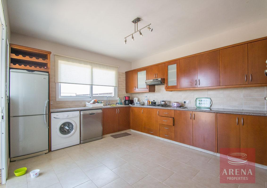 for sale villa in Paralimni - kitchen