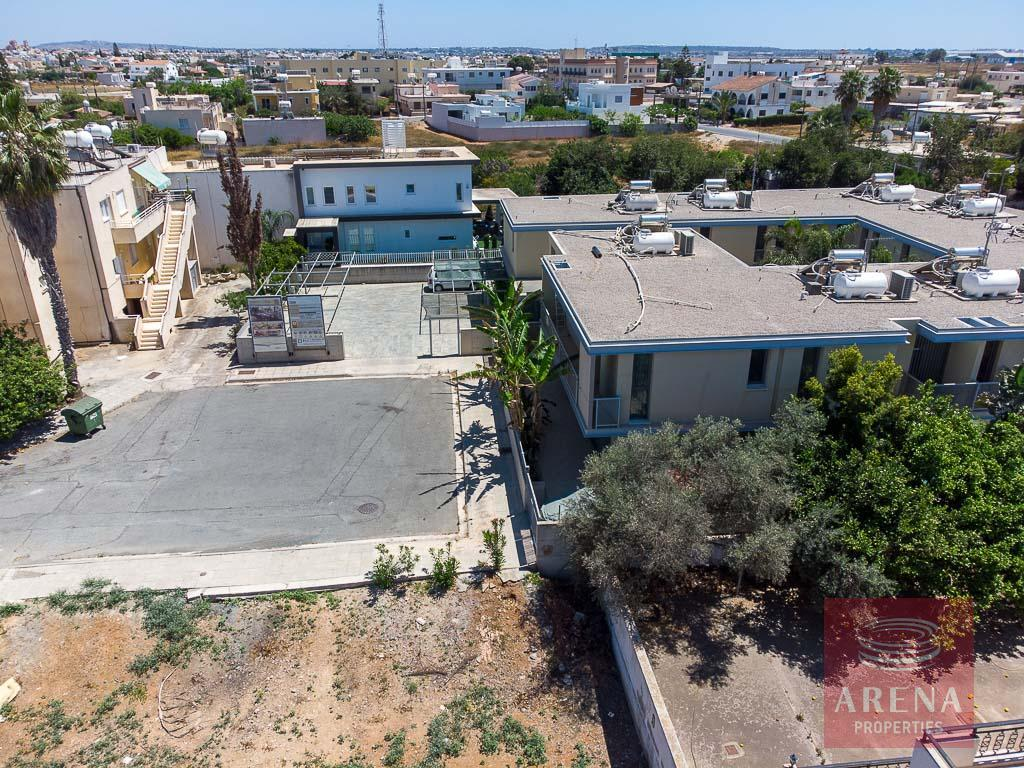 Buy townhouse in Derynia