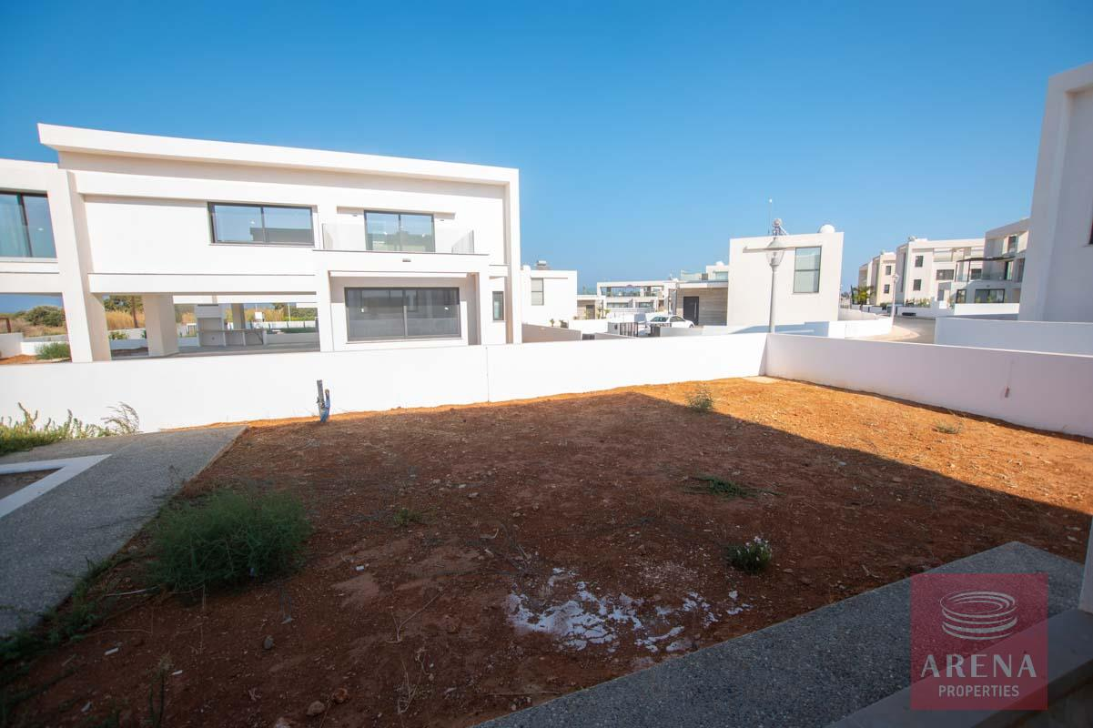 Brand New Villa in Pernera - garden