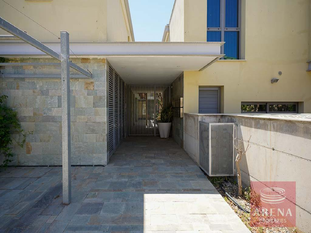 Townhouse for sale in Derynia