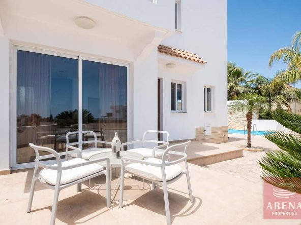 5-villa-in-Paralimni-for-sale-5787