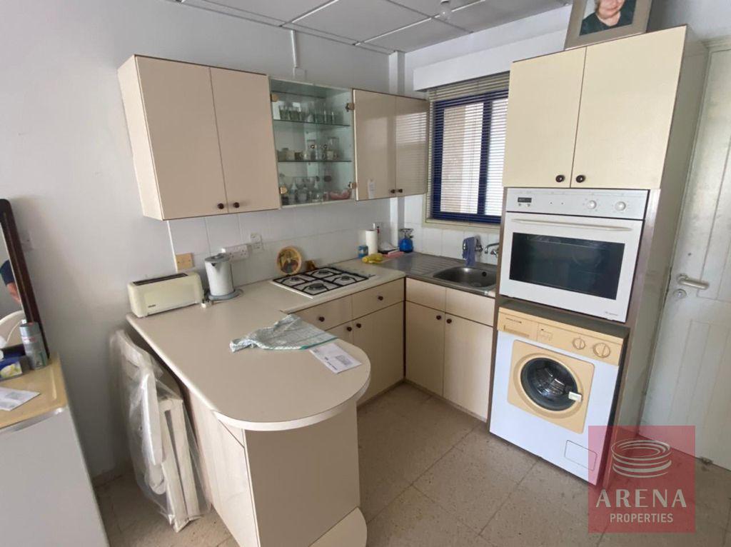 1 Bed Apartment in Makenzie - kitchen