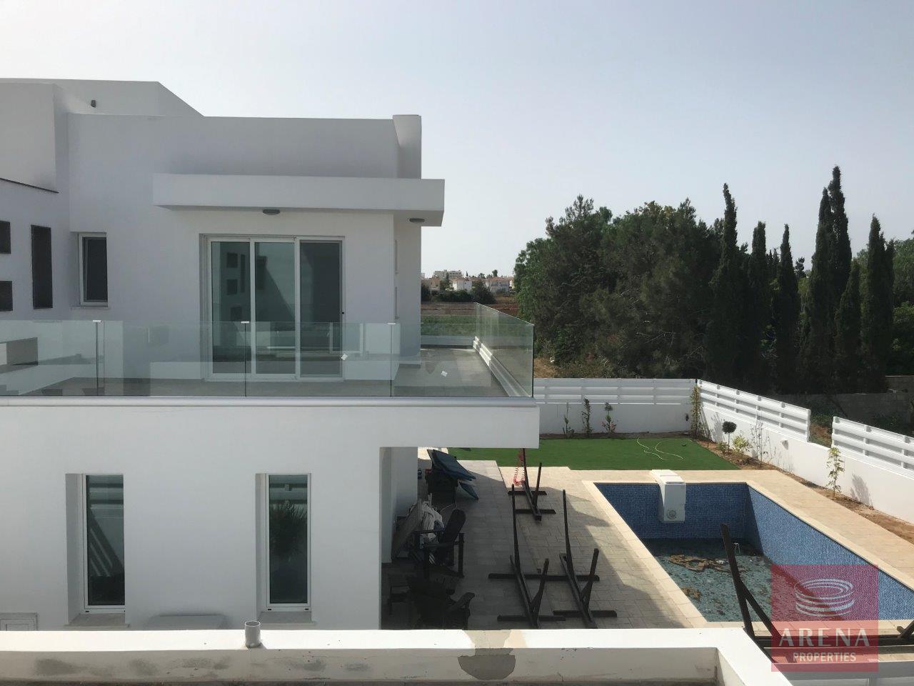 buy villa in ayia triada