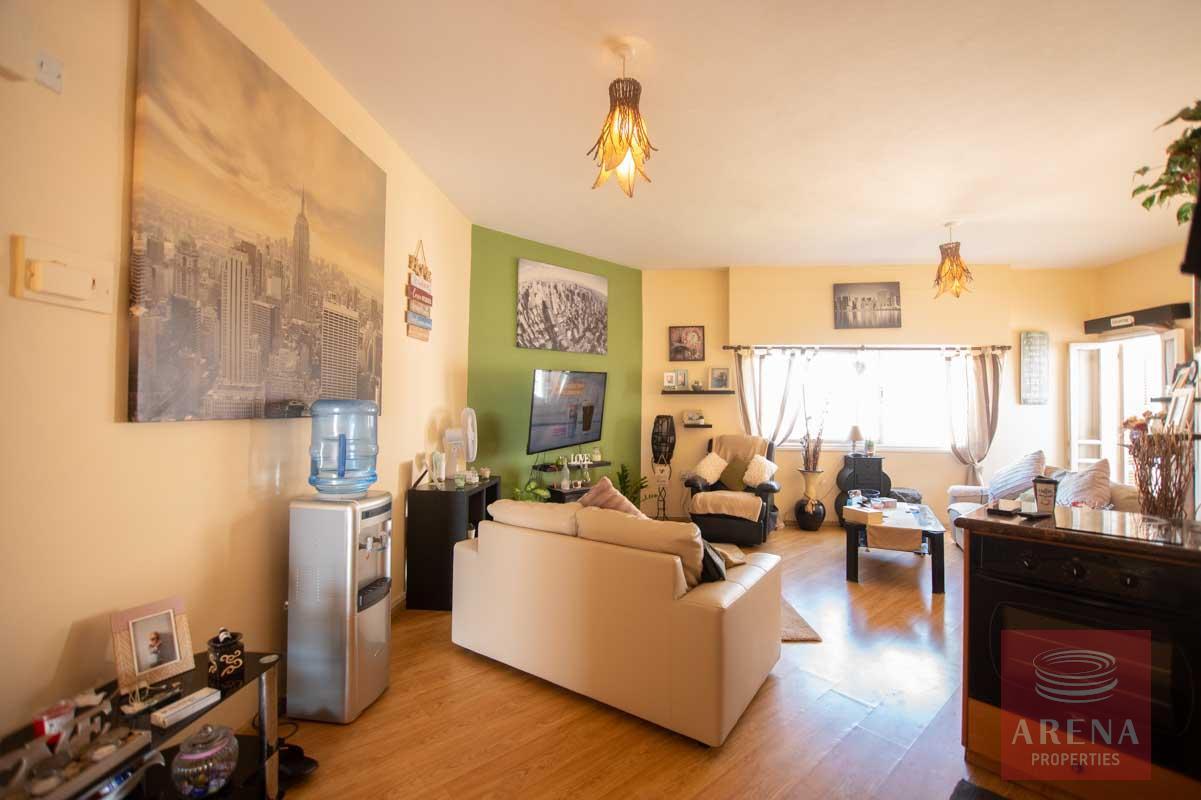 Apartment in Ayia Triada for sale - sitting area