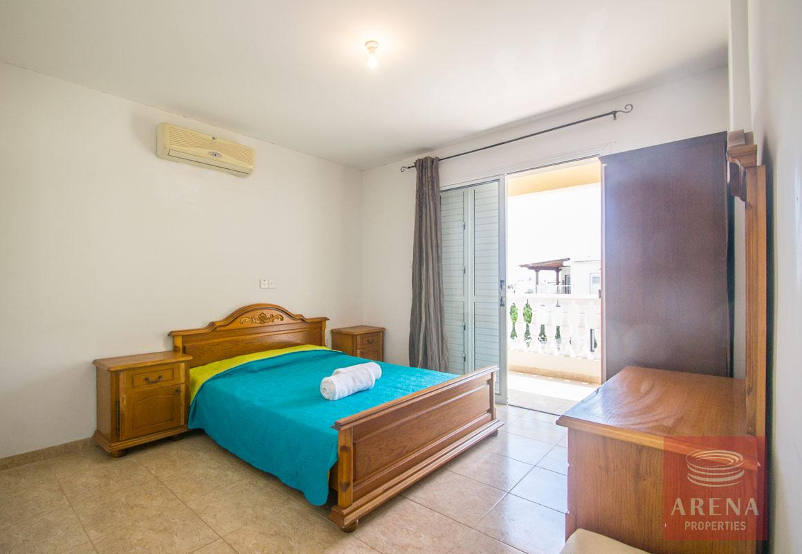 Flat to rent in Pernera