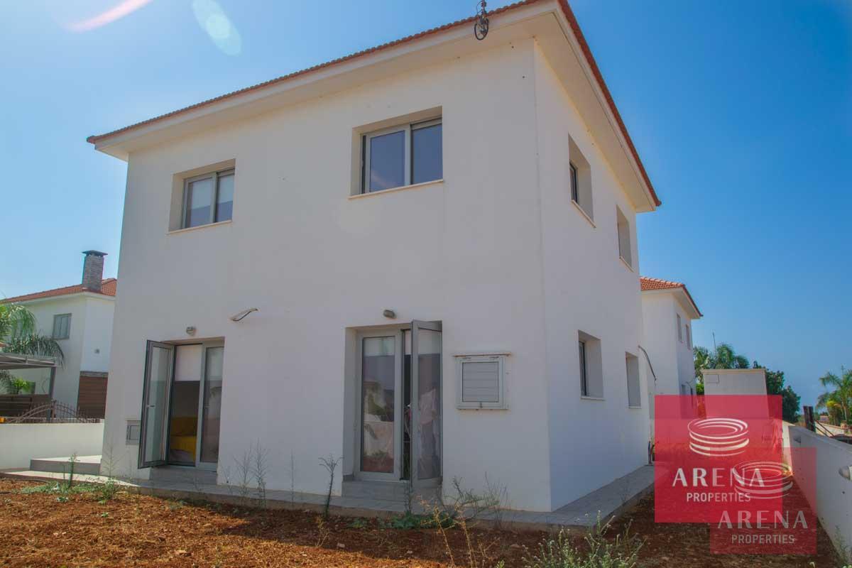 Buy villa in Sotira