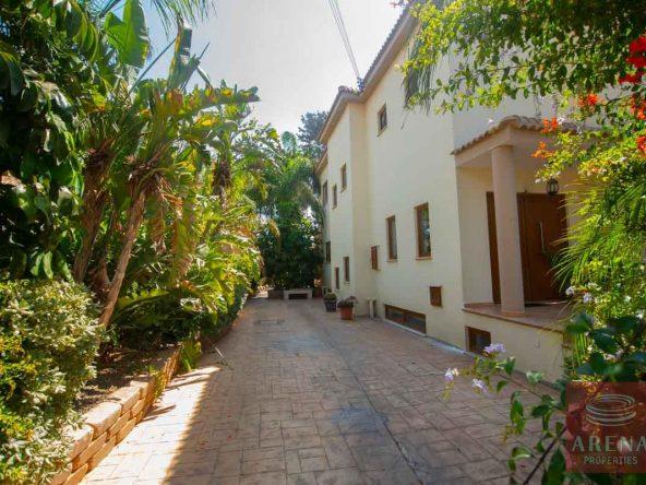 9-5-BED-villa-in-derynia-5777