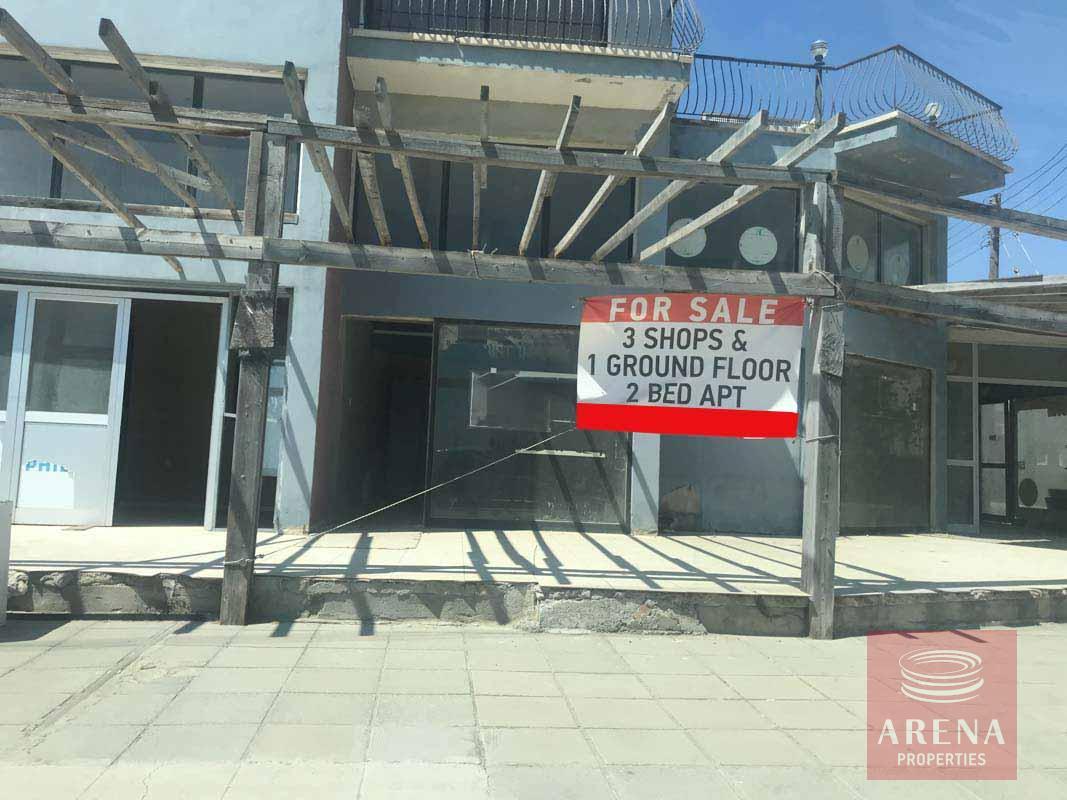 Shop in Oroklini for sale