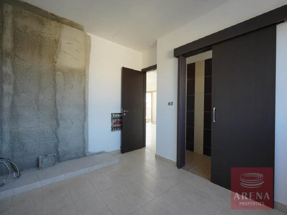 11-Incomplete-Apartment-in-Aradippou-5820
