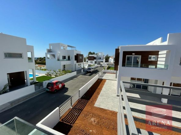 11-Villa-to-rent-in-ayia-thekla-5804