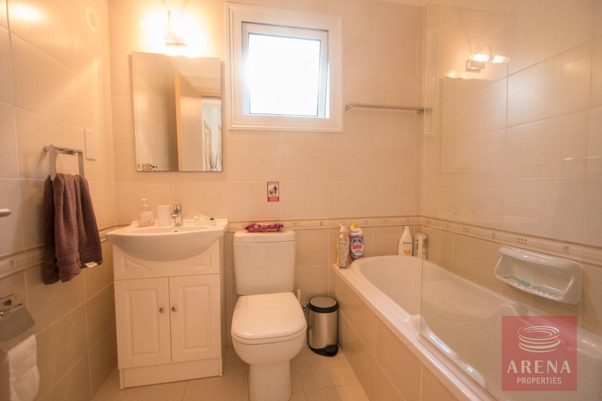 3 bed villa for sale in Kapparis - bathroom