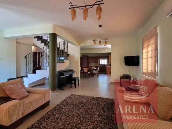 19-5-Bed-villa-in-Paralimni-5841