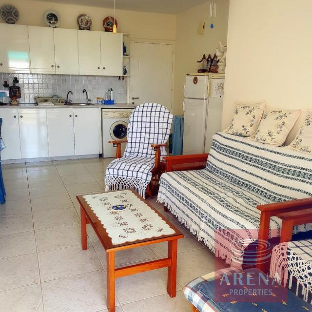 2 bed flat in Kapparis - living area