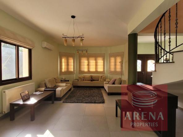 21-5-Bed-villa-in-Paralimni-5841