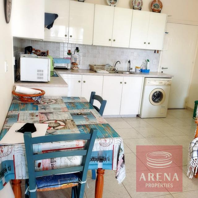 2 bed flat in Kapparis - dining area
