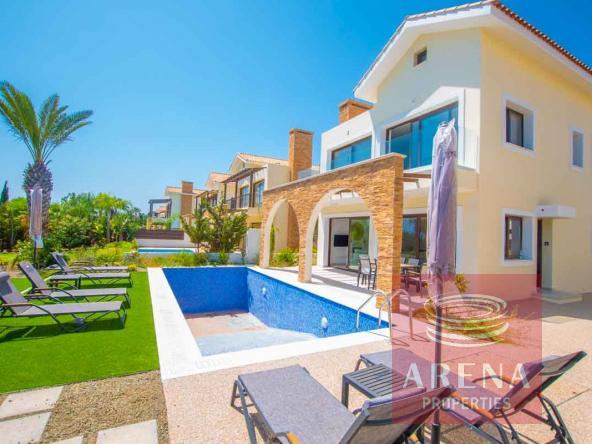 3-seafront-villa-ayia-thekla-5842