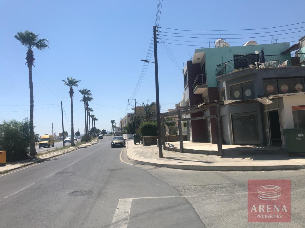 Shops in Oroklini to buy