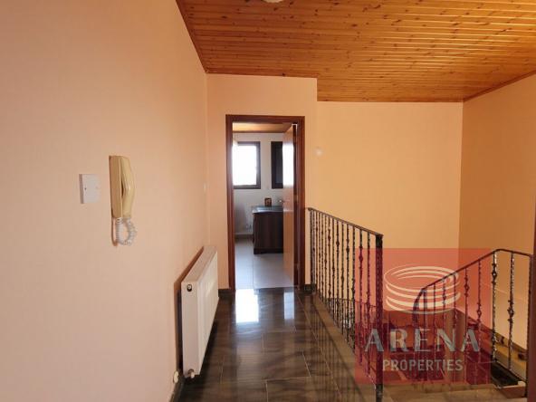 30-5-Bed-villa-in-Paralimni-5841
