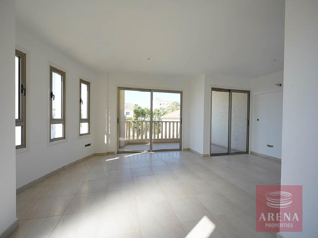 Incomplete apartment in Aradippou - sitting area